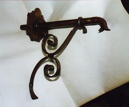 /media/products/Wasserspeier/Bronzespeier1.JPG